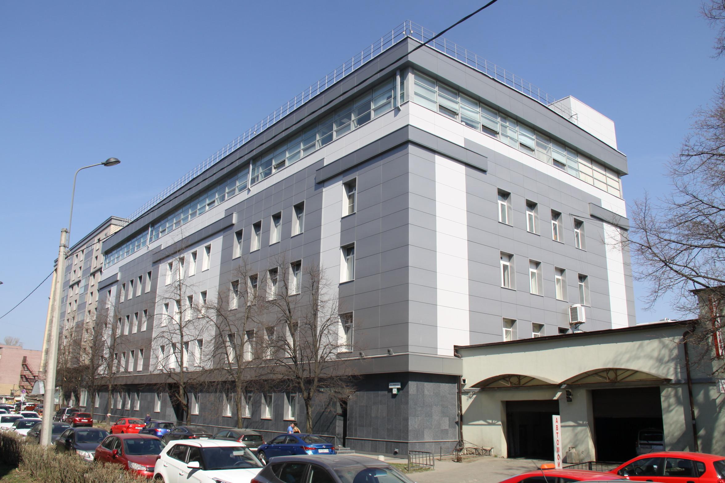 Завершение работ по благоустройству фасада АО «Вертекс»